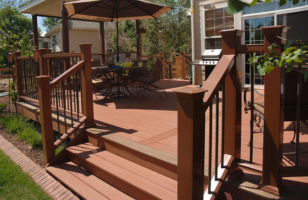 What Materials Should You Be Using To Build Your Deck?